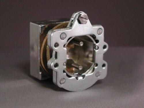 000099 Pushbutton Operator
